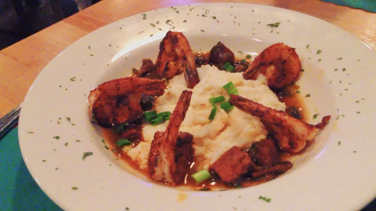 Lola's Shrimp and Grits
